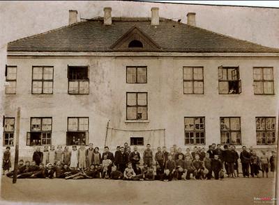 Szkoła w Borze Zajacińskim (1936 r.)